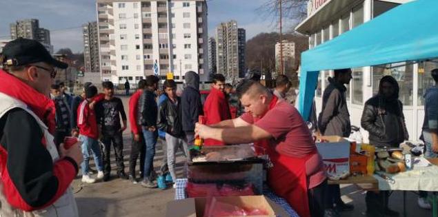Humanost na djelu: Brojni Brčaci pomažu migrantima u Tuzli
