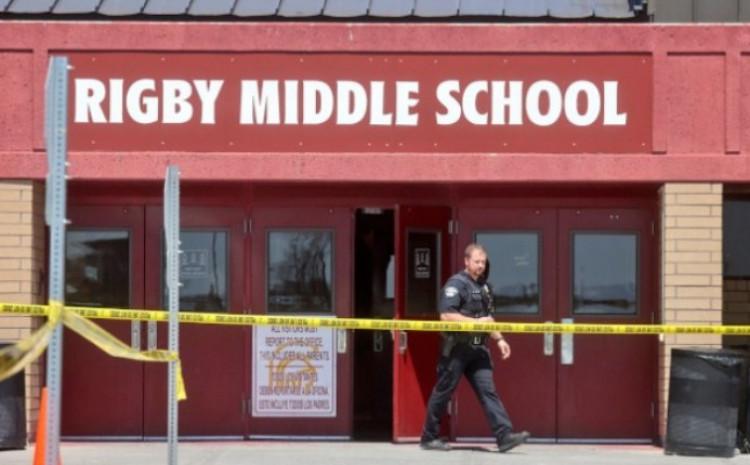 Djevojčica u školu donijela pištolj i ranila tri osobe
