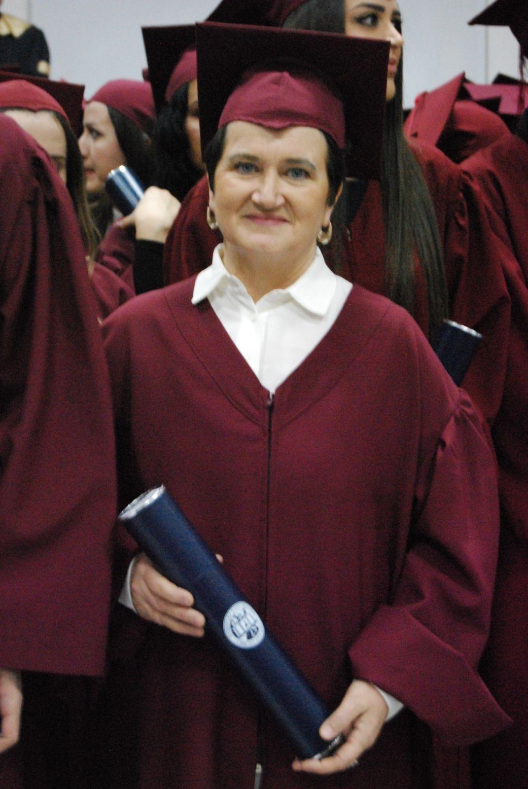 """Murveta Sukanović diplomirala u 54. godini: """"Sa prvog predavanja me profesor vratio; kolege me podržale"""""""