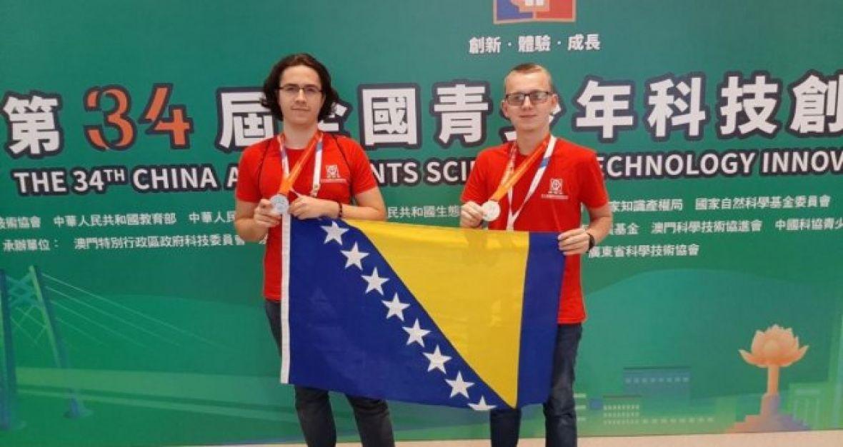 Muhamed i Edvin sa svojim izumom osvajaju medalje širom svijeta