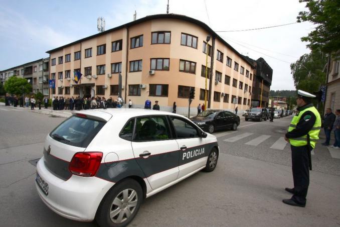 Tuzlanski kanton mijenja zakon: Policiji veće ovlasti za kažnjavanje onih koji krše mjere