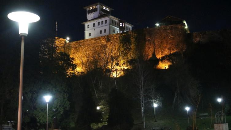 U Federaciji BiH skraćen policijski sat, od danas traje od 23 do 5 sati ujutro